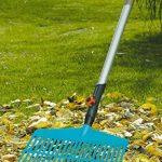 Balai-râteau Combisystem de GARDENA : balai à dents maniable pour le balayage des feuilles et des débris d'herbe, avec dents en plastique robustes, largeur de travail 43 cm (3101-20) de la marque Gardena image 1 produit
