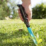 Couteau désherbeur de GARDENA : outil de jardin idéal pour enlever efficacement les mauvaises herbes, poignée ergonomique, protégé contre la corrosion, longueur de travail 14,5 cm (8935-20) de la marque Gardena image 1 produit