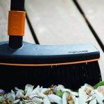 Fiskars Balai d'extérieur, Tête d'outil QuikFit, Largeur: 38 cm, Poils en polypropylène, Noir/Orange, QuikFit, 1001416 de la marque Fiskars image 3 produit