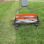 Fiskars Tondeuse à gazon manuelle, Tondeuse à cylindre avec système de coupe sans frottement des lames, Largeur de coupe: 46 cm, Noir/Orange/Argenté, StaySharp Max, 1000591 de la marque Fiskars image 2 produit