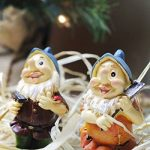 Lot de 6mini figurines de nain–Nain de jardin Gnomes de fée–Figurines, couleurs assorties, 4,3x 10,2x 4,1cm de la marque Juvale image 3 produit